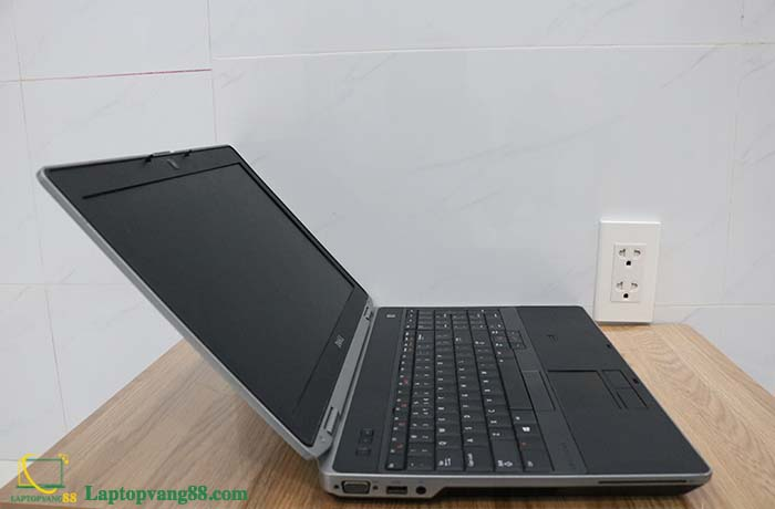 DELL LATITUDE E6530 CORE I7 RAM 4GB HDD 320GB