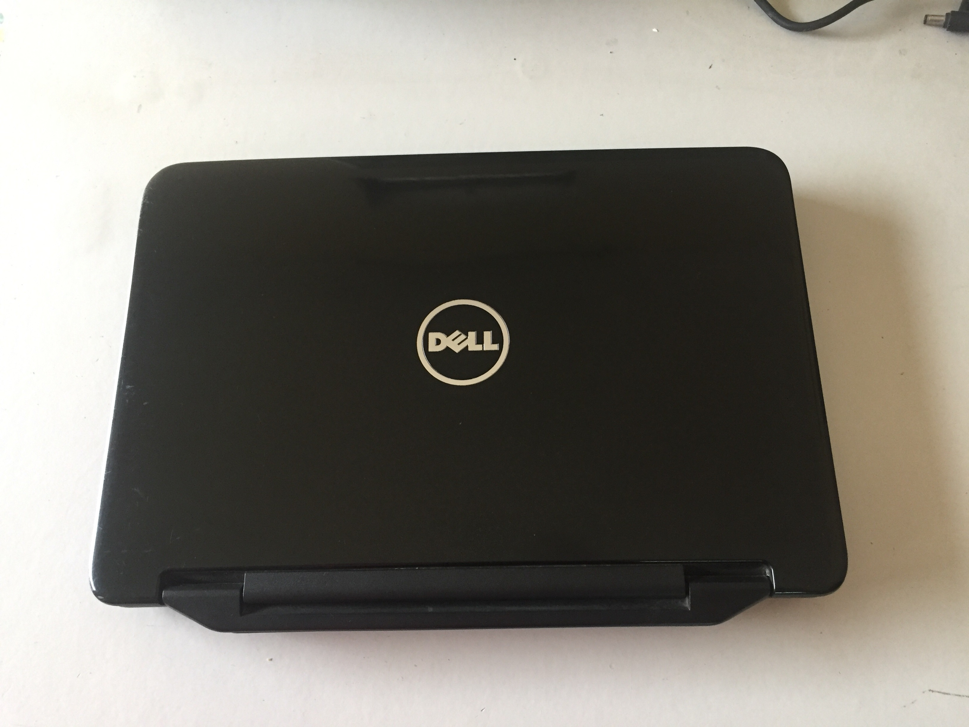 laptop-dell-inspiron-cu-gia-re-hcm-dell-4050-6