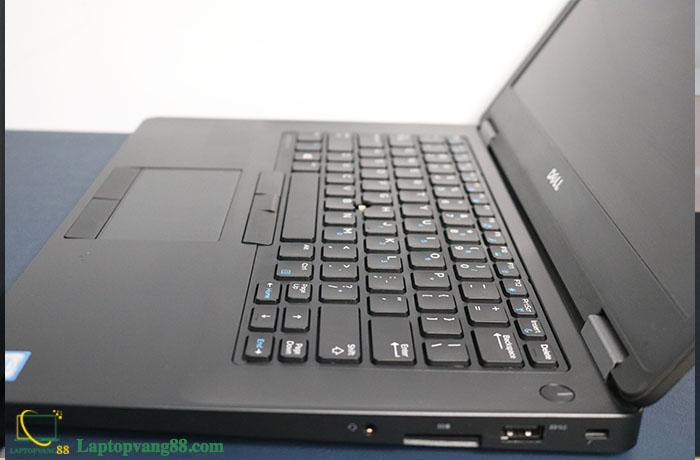 dell-latitude-e5470-i5-6440hq-4