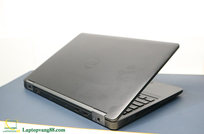 dell-precision-3510-core-i5-6440hq-ram-8gb-ssd-256gb-vga-2gb-156-fhd-ips