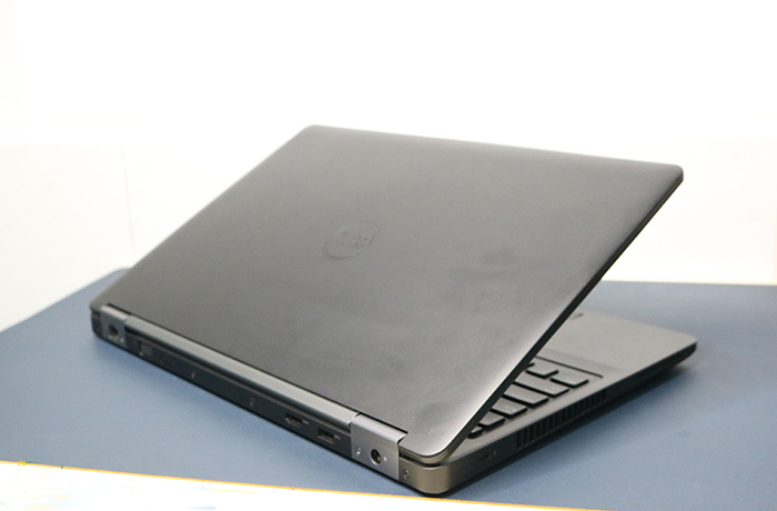 dell-precision-3510-core-i7-6820hq-ram-8gb-ssd-256gb-156-fhd