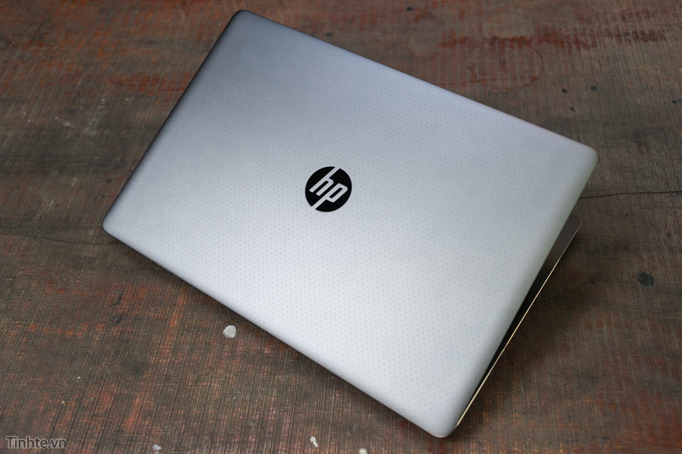 hp-zbook-15-g3-xeon-32gb-m2000m-02