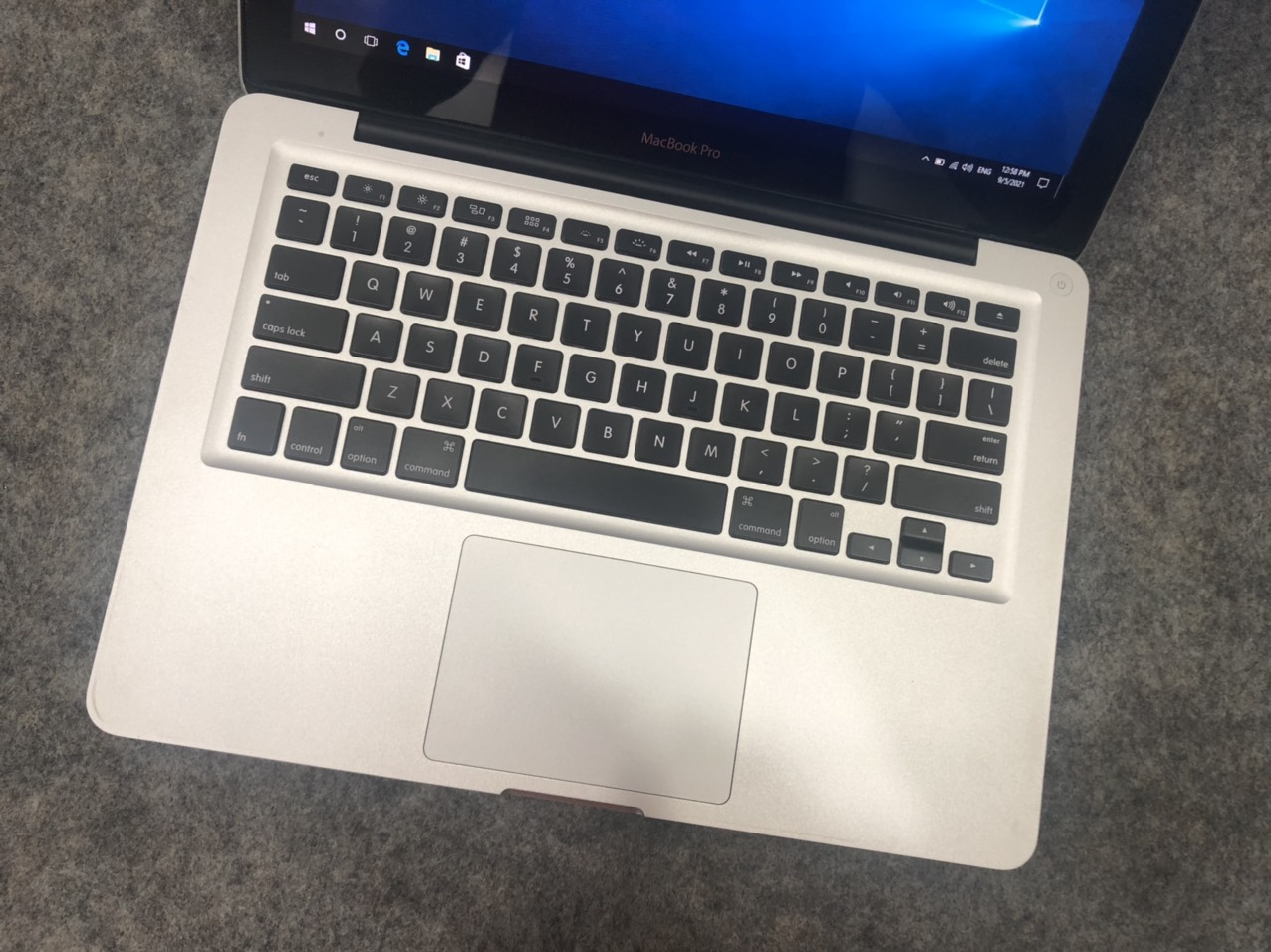 Macbook-pro-2011-core-i5-cu-gia-re-1