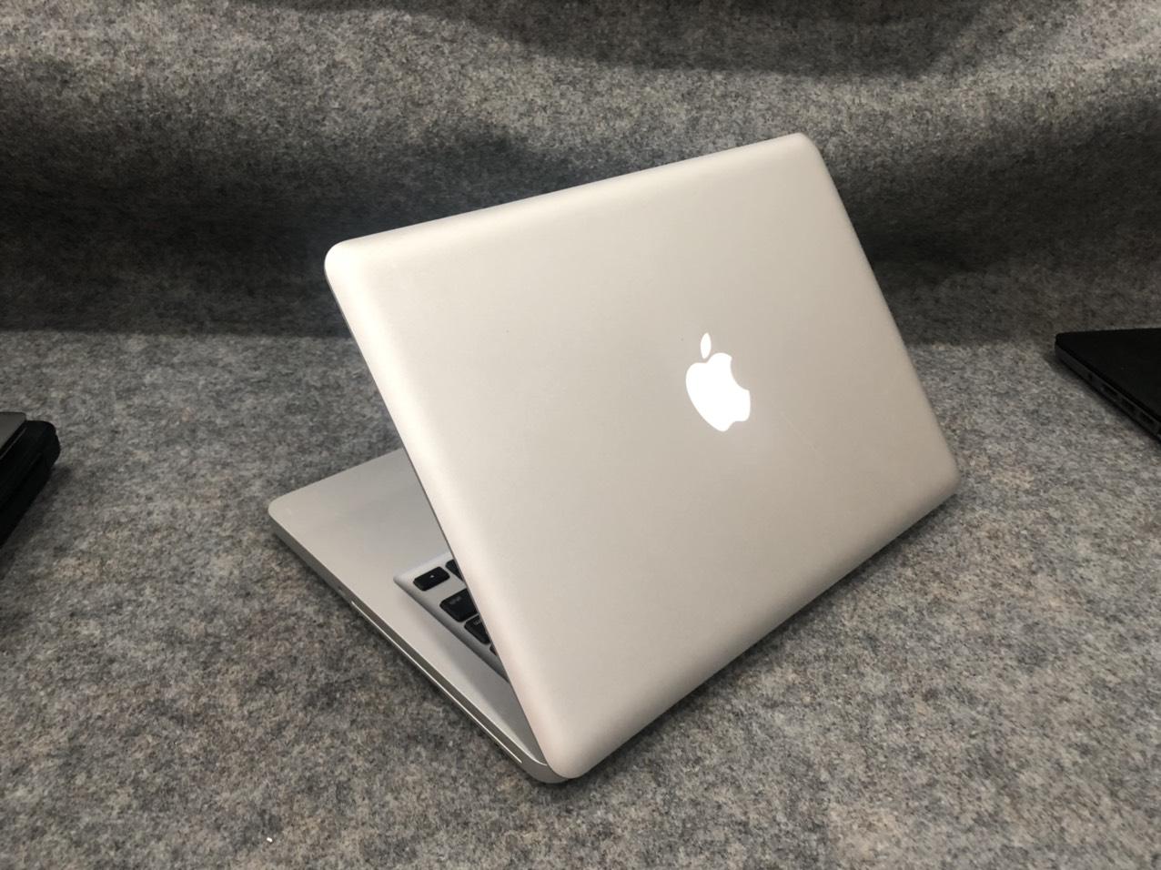 Macbook-pro-2011-core-i5-cu-gia-re-4