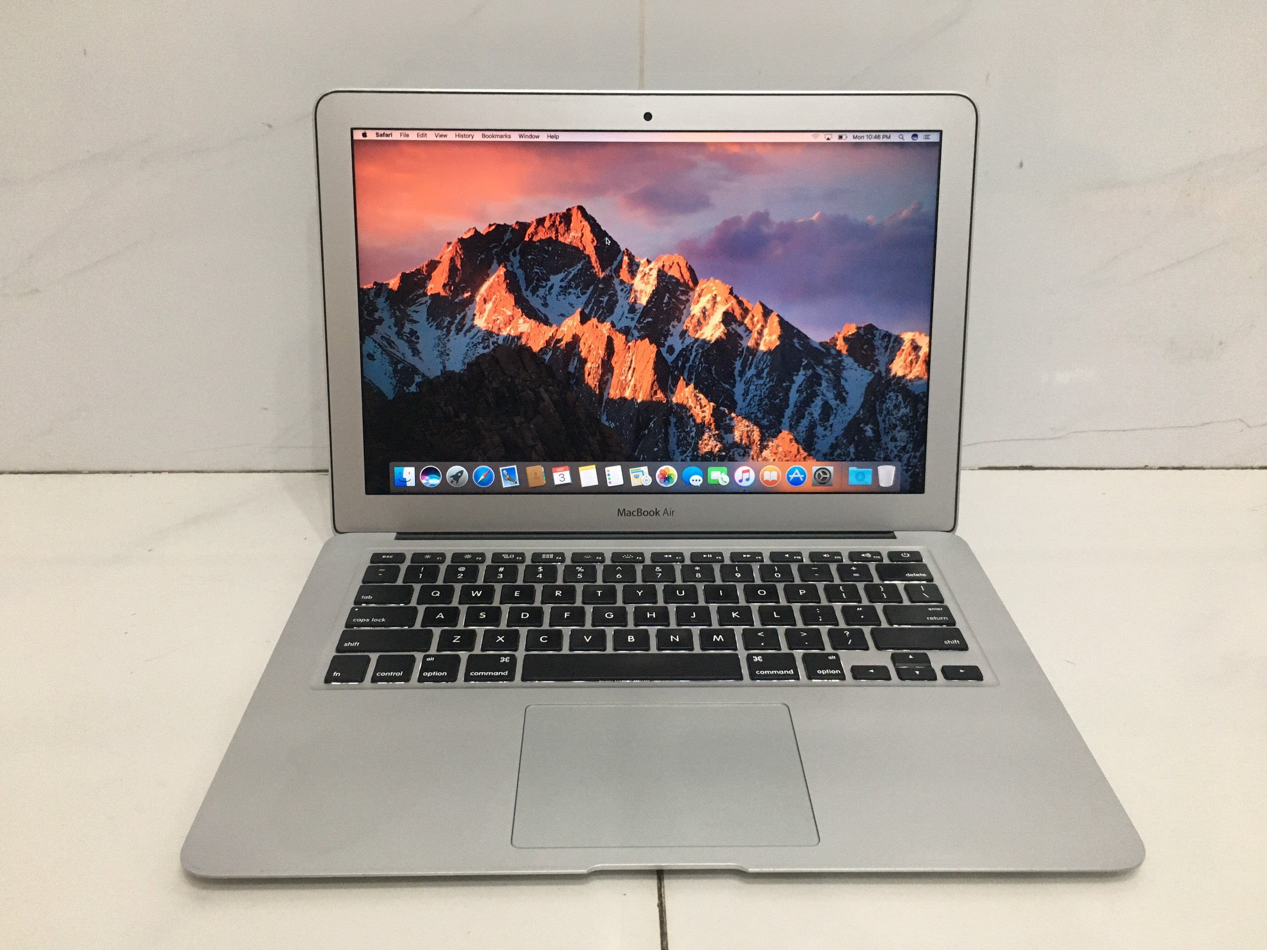 macbook-air-2015-core-i5-16ghz-ram-8gb-ssd-256gb-13-inch