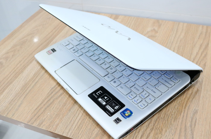 laptop-sony-sev11-11ich-07