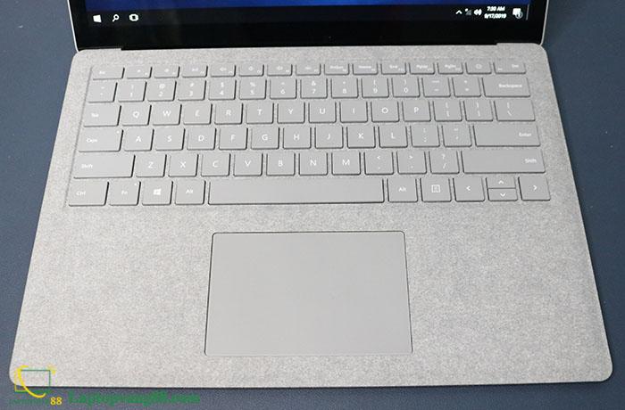 Laptop-suface-core-i5-2018-03