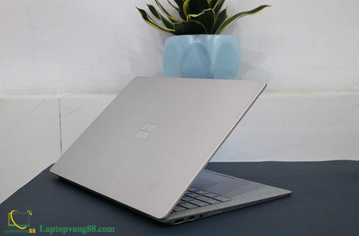 Laptop-suface-core-i5-2018-08