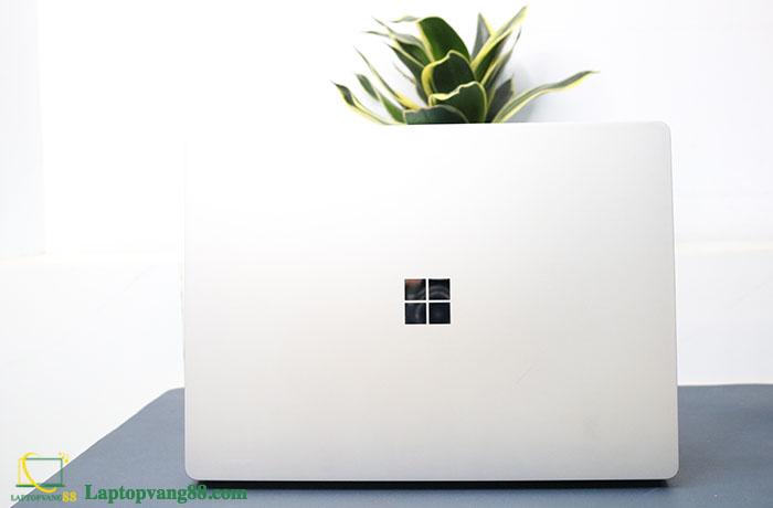 Laptop-suface-core-i5-2018-10