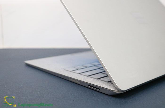 Laptop-suface-core-i5-2018-12
