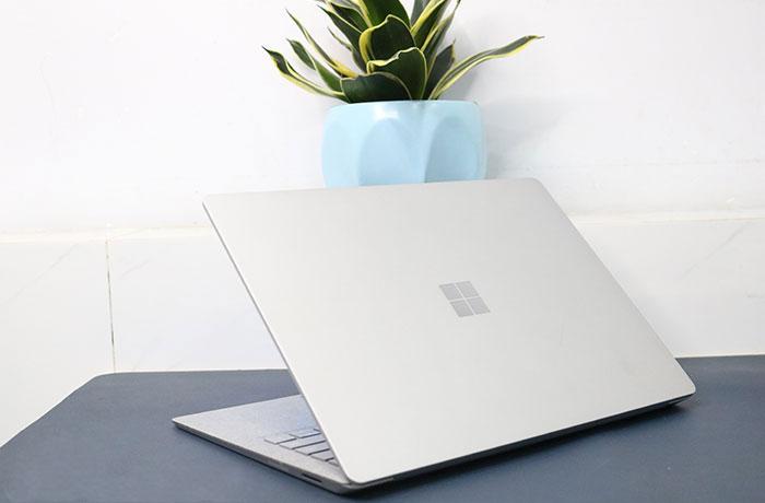 Laptop-suface-core-i5-2018-1333